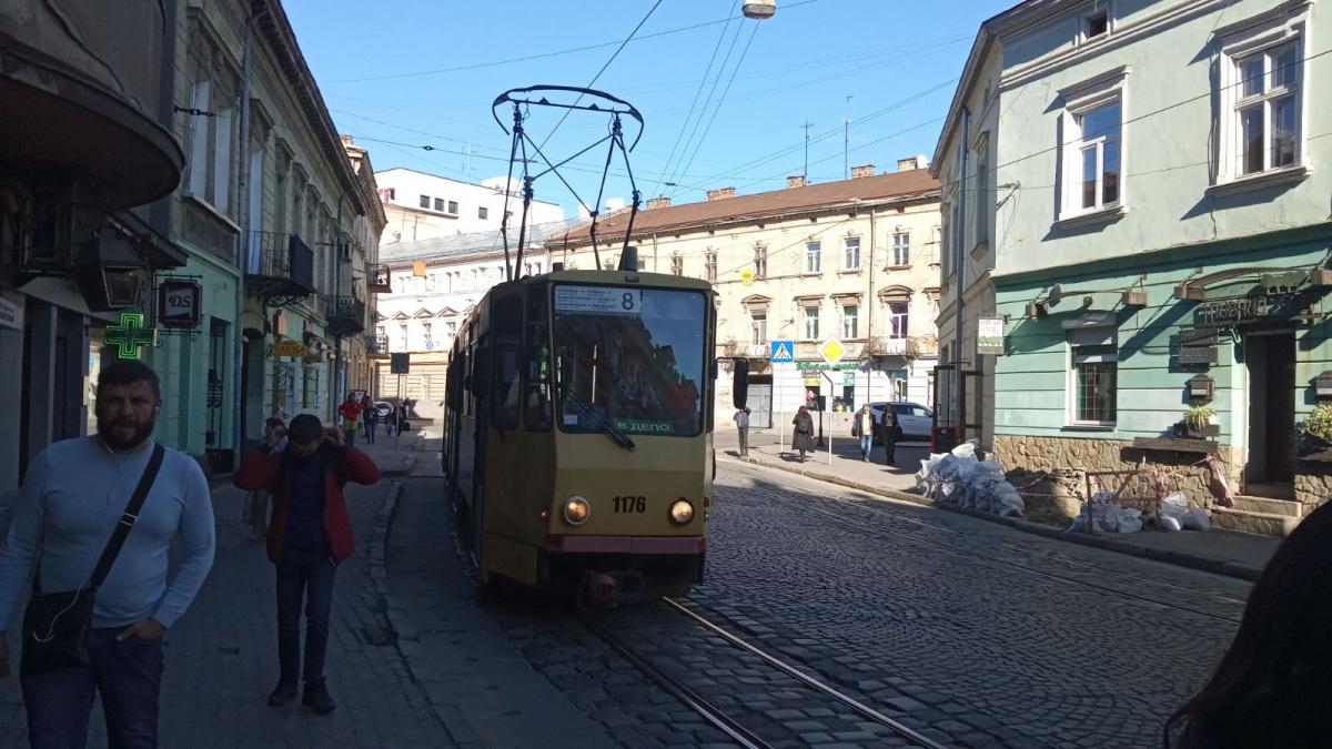 Львов. Tatra KT4D №1176