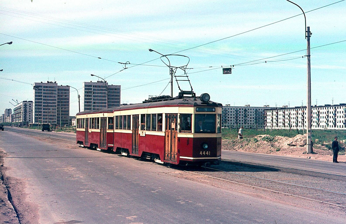 Санкт-Петербург. ЛМ-33 Американка №4441