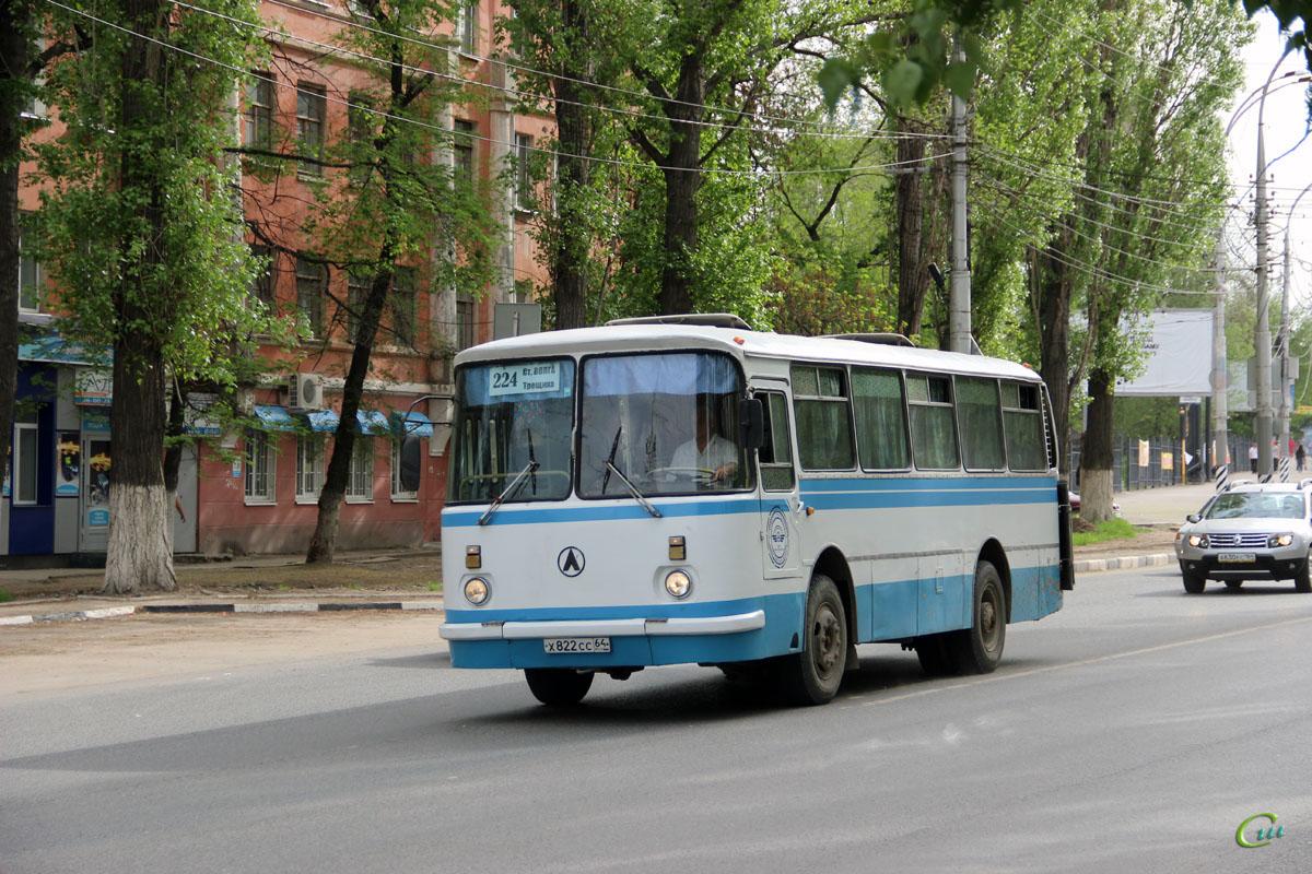 Саратов. ЛАЗ-695Н х822сс