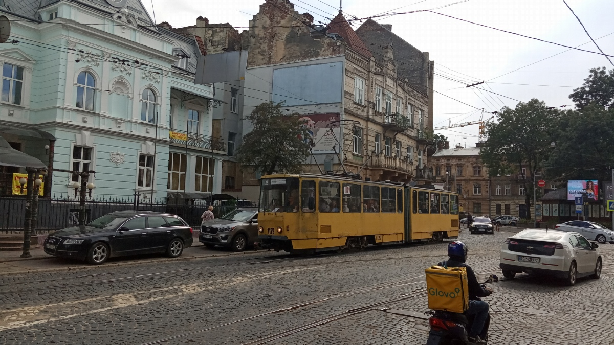 Львов. Tatra KT4SU №1129