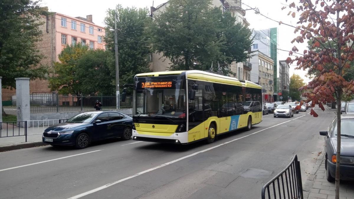 Львов. Electron T19102 №155