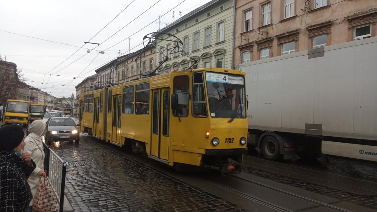 Львов. Tatra KT4D №1152